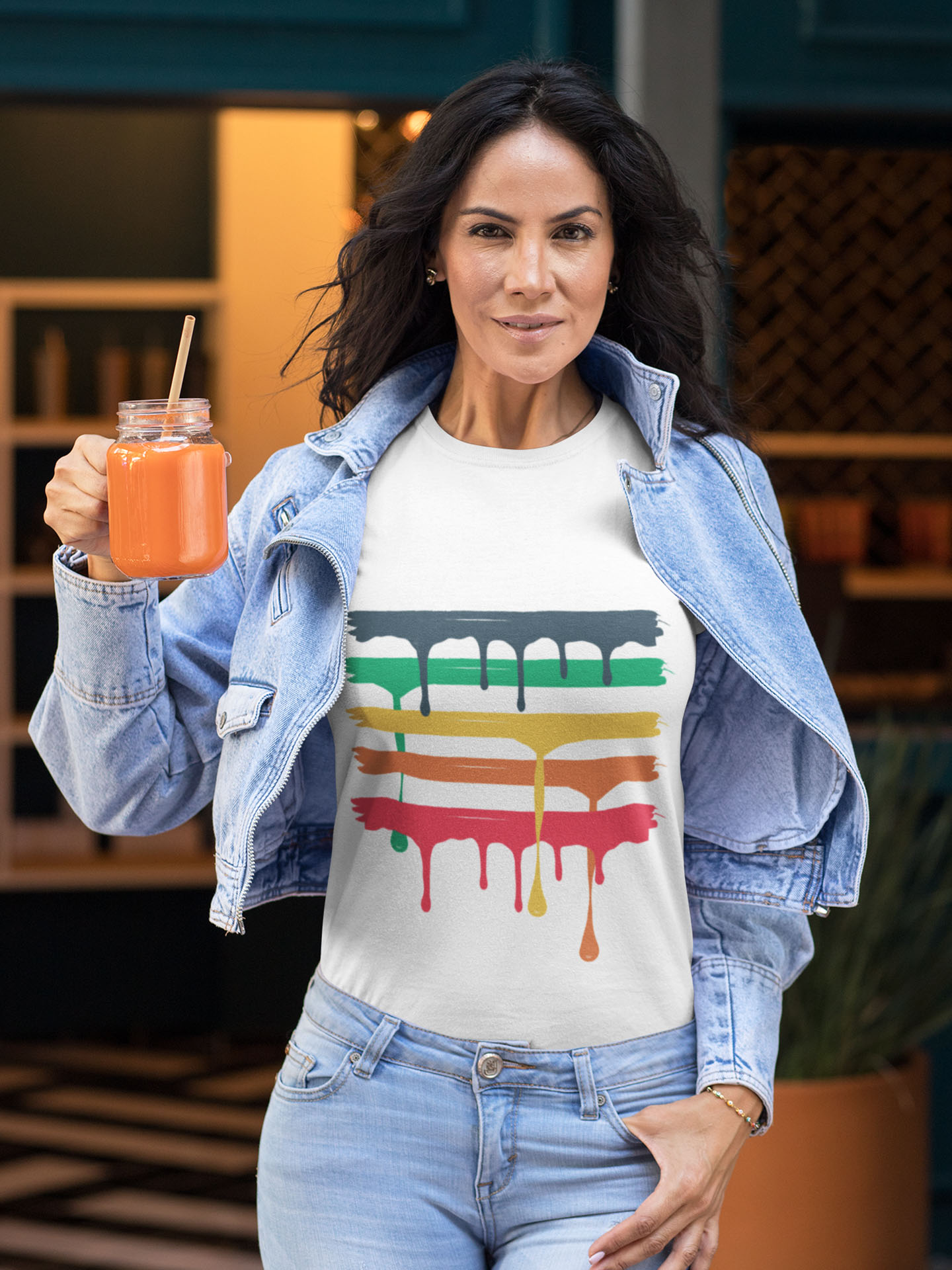 Spredshirt-Prints-Trailfire_0002_tee-mockup-of-a-fit-woman-holding-a-juice-32772