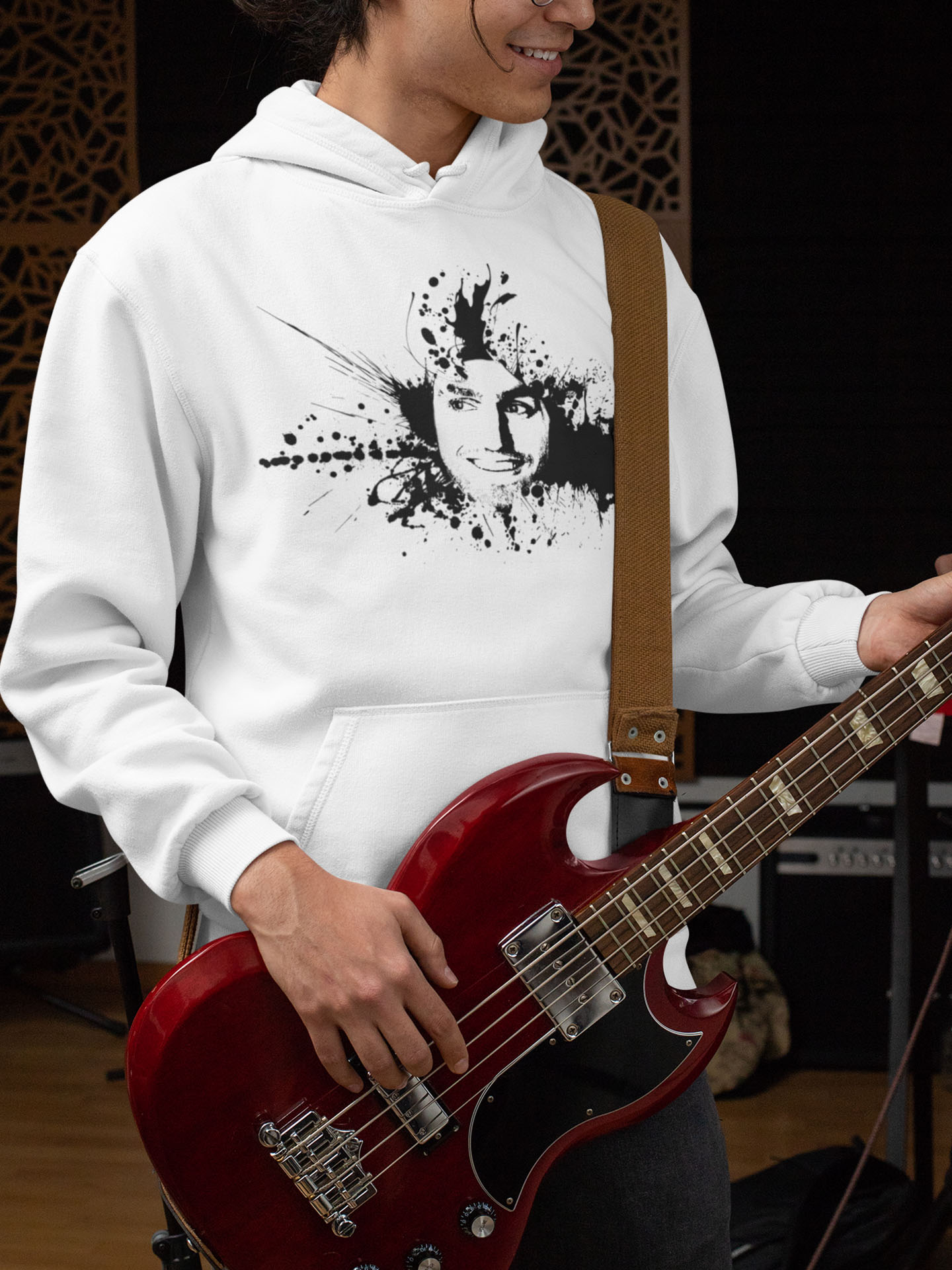 Spredshirt-Prints-Trailfire_0038_hoodie-mockup-of-a-cool-man-playing-bass-guitar-33325