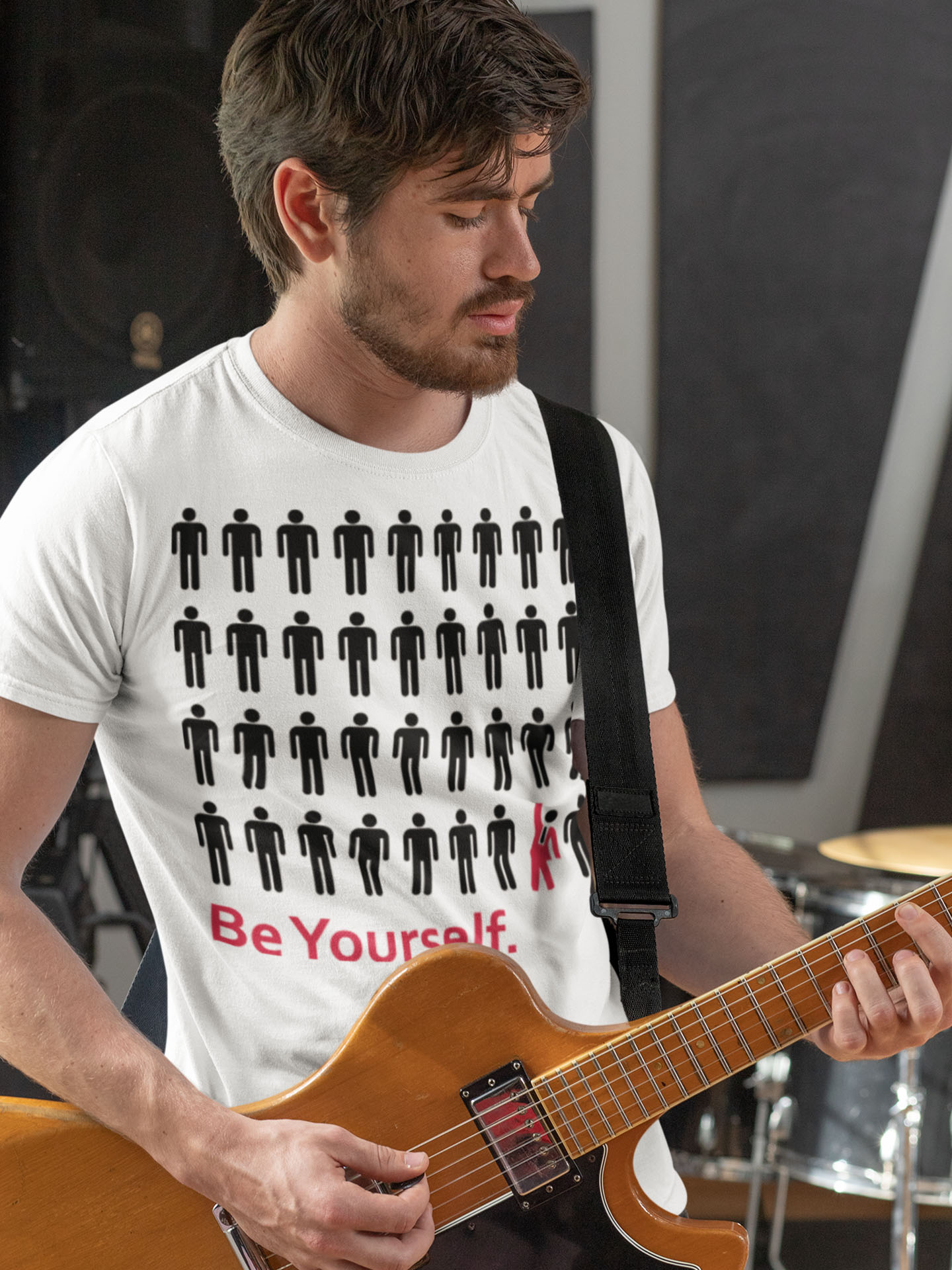 Spredshirt-Prints-Trailfire_0067_t-shirt-mockup-featuring-a-musician-playing-an-electric-guitar-33334